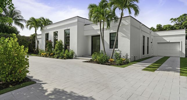 METICULOUSLY RENOVATED CONTEMPORARY